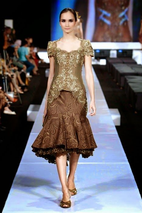 Model Kebaya Modern Simple Berlengan Pendek