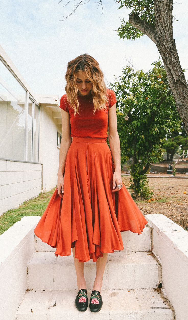 Rowan tee outfit inspiration: love the orange and paired with a floaty skirt. Maybe try Cascade sewing pattern