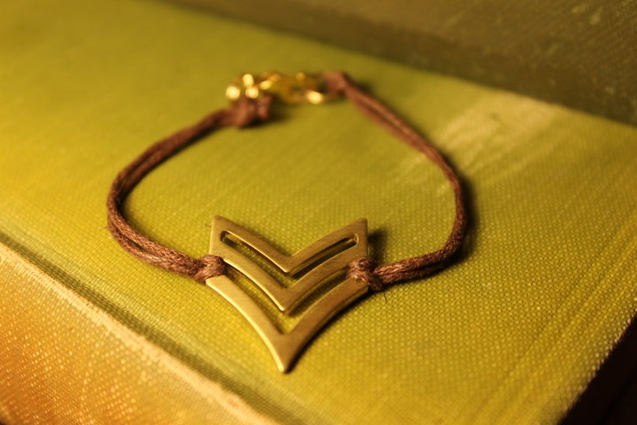 Brass Chevron Arrow Bracelet by OllieJays on Etsy, $6.00Arrows Bracelets, Brass Chevron, Chevron Arrows