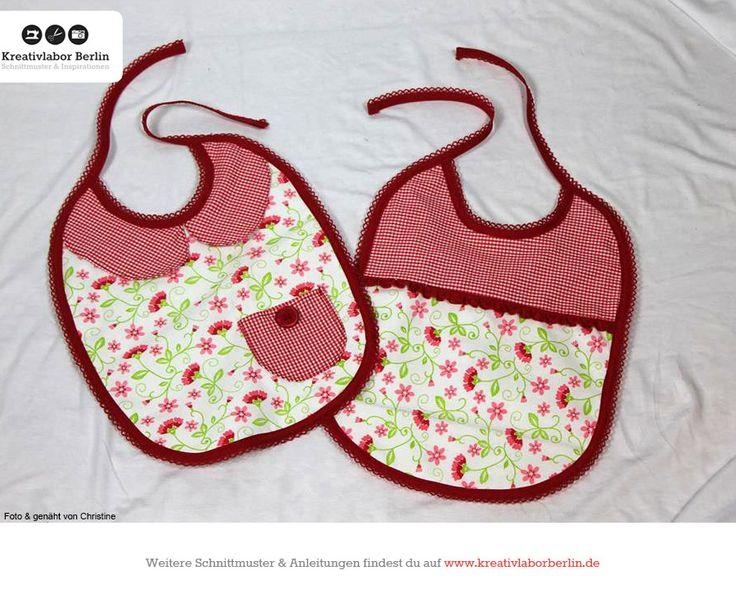 Süße Lätzchen nach meinem kostenlosen Schnittmuster: http://www.kreativlaborberlin.de/naehanleitungen-schnittmuster/suesse-baby-laetzchen-in-3-varianten/
