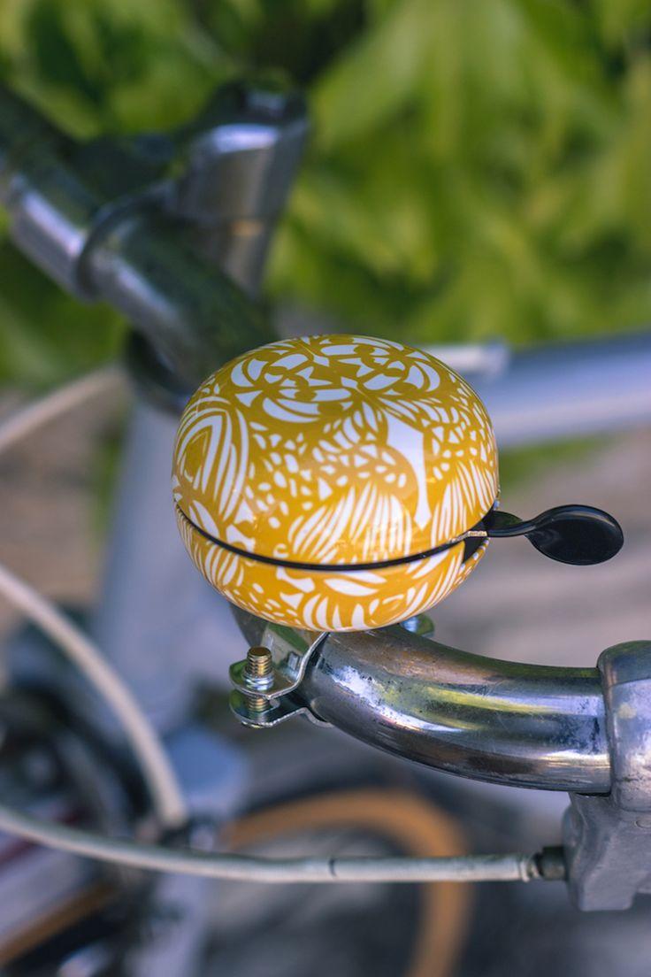 Sonnette/Bell #MoonRide #MoonRideSpirit #collection #SweetBoheme #sweet #boheme #lovely #woman #femme #backpack #bike #trendy #tendance #fashion #lifestyle #street #urban #summer #paris #vélo #bike #city #safety #bell #sonnette