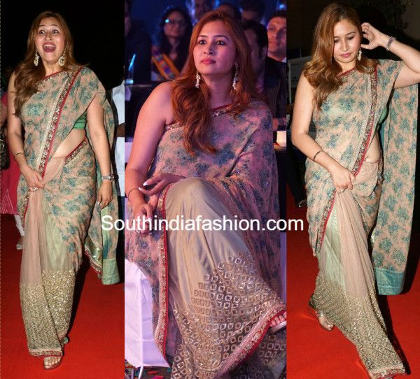 jwala_gutta_floral_sabyasachi_saree_at_ndtv_gadgetguru_awards