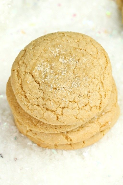 The best Vegan Sugar Cookies that are also gluten-free and not made with any butter! That's a FIRST! Only 8 ingredients for this recipe. Soft, chewy and so perfectly sweet! via @thevegan8