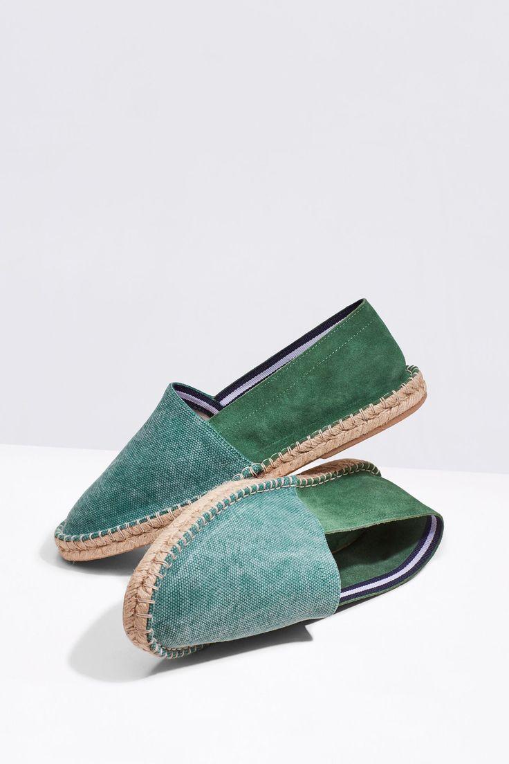 Moda a seus pés: O melhor calçado para levar para a praia! #Moda a #seus #pés: O #melhor #calçado para #levar para a #praia | #alpercatas #canvas #croute #cortefiel #SALDOS