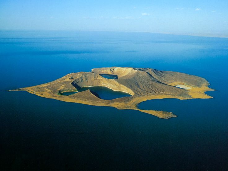Kenya - Africa - Island In The Middle Of Lake Turkana