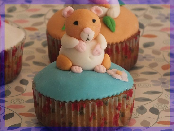 Hamster Cupcake  - By Kitty Cupcakes