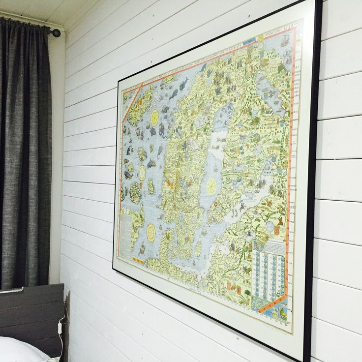 Boy's room. Map.