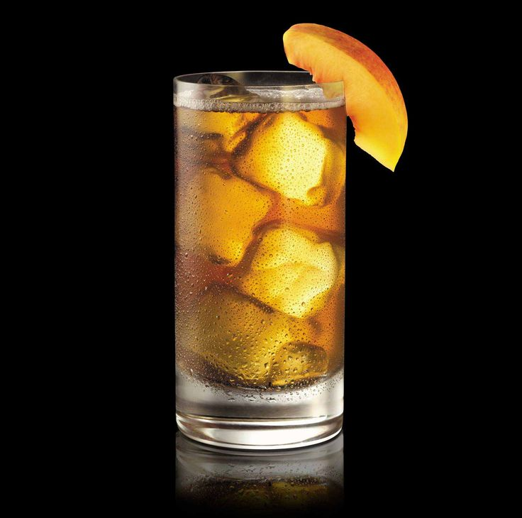 Whiskey Spiked Peach Iced Tea (Image: https://www.makersmark.com/sections/209-maker-s-mark-peach-tea)