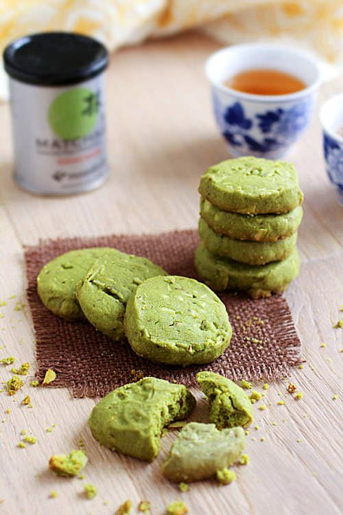 Matcha Almond Cookies: Gorgeously baked green-color matcha cookies that are supremely buttery, flaky, yet crunchy with the almond. They are perfect nibbles on warm summer days, perhaps with some matcha ice cream on the side. #cookies