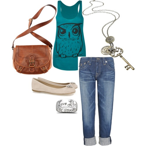 I made my own outfit & wow is it fun!!!!!! Go do it.....polyvore.com