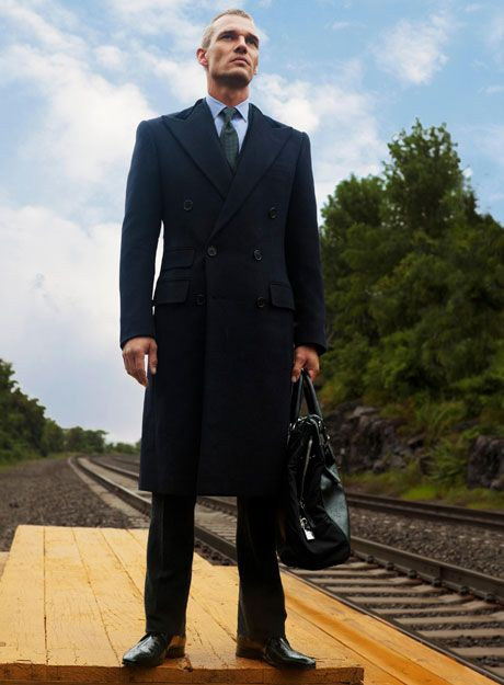 To me this is your average overcoat. And I like it. Best Mens Overcoats - New Fall Overcoats for Men - Esquire