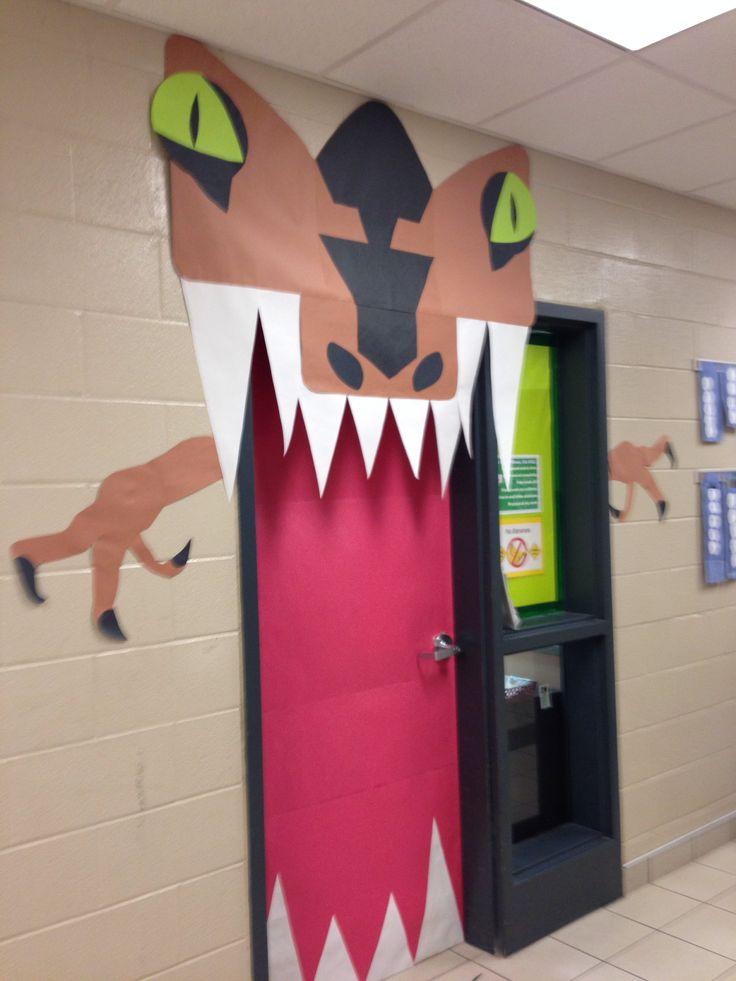 Dinosaur door added a sign \