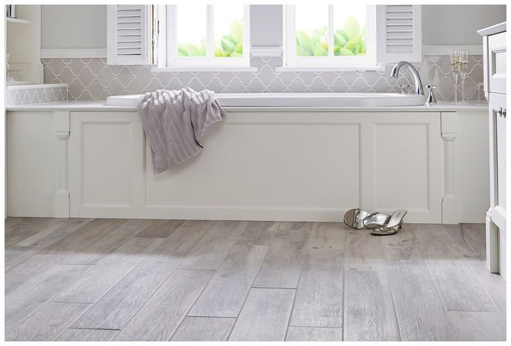 Matched framed bath side panel in Cotton White #Roseberry #paintedtimber #bathroomfurniture #myutopia