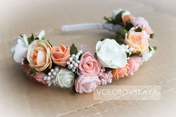 Ободок с цветами http://www.evna.by/obodok-s-cvetami-svadebnyj-13517
