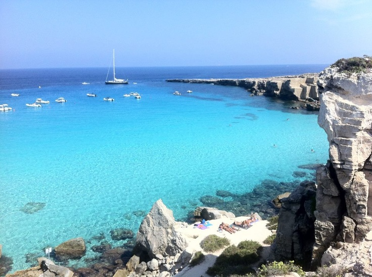 The stunning Cala Rossa bay in Favignana, #sicily