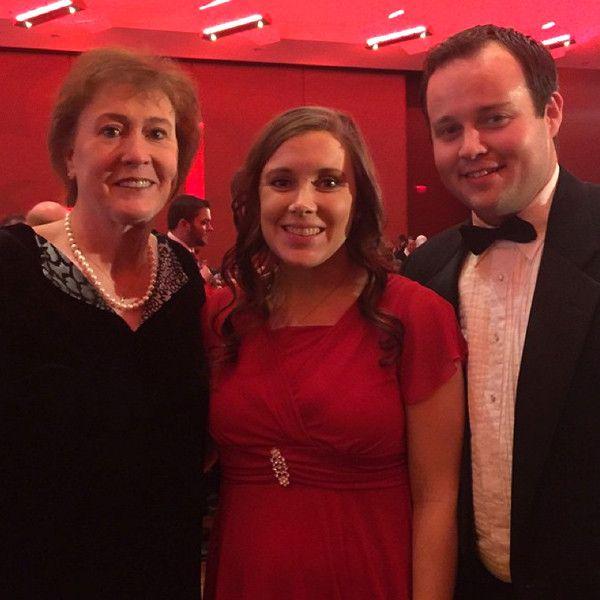Pregnant Anna Duggar Smiles and Shows Baby Bump in Cute Red Dress—See the Photos! Anna Duggar, Josh Duggar