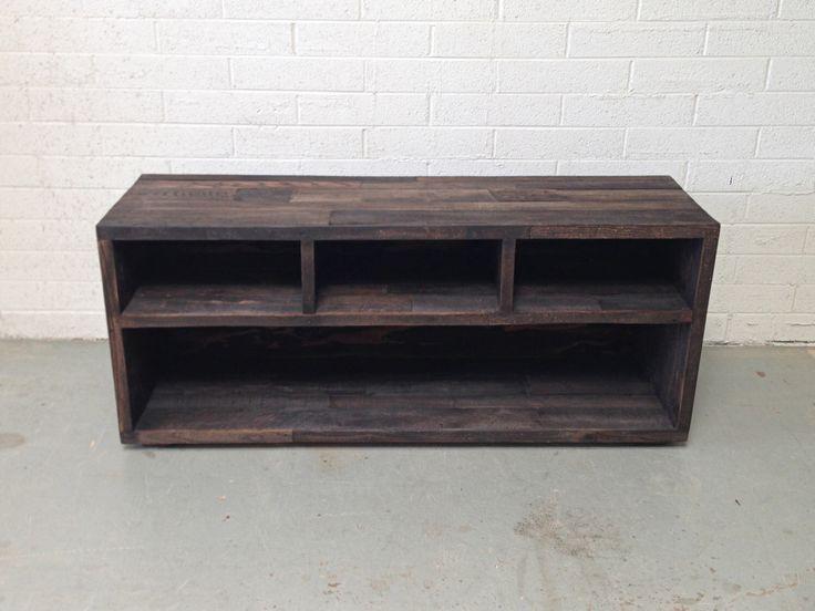 reciclado madera media unidad tv stand entretenimiento centro consola café nogal de KaseCustom en Etsy https://www.etsy.com/mx/listing/248714036/reciclado-madera-media-unidad-tv-stand
