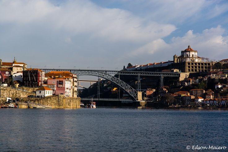 Retornando ao cais podemos ver o Mosteiro da Serra do Pilar, sobre a Ponte Dom Luís I