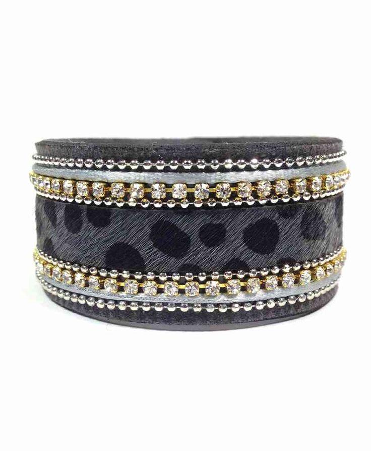 Bracelet Smart -  CrazyDiams Le bracelet Smart se décline en strass ou en impression animale pour un effet chic et sauvage.
