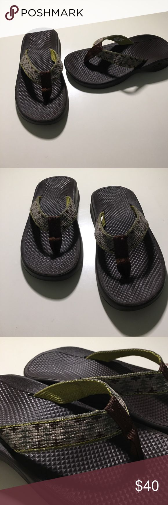 Childrens Chaco flip flops Childrens Chaco flip flops in Excellent used condition. Brown flip flop w/ hints of dark green and brown on strap. Chaco Shoes Sandals & Flip Flops
