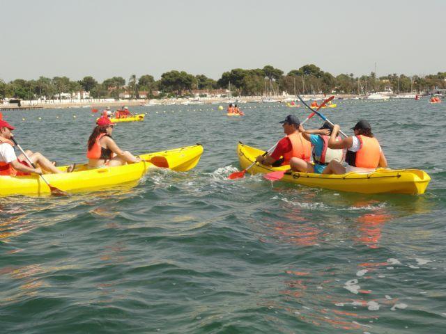"""SAN JAVIER / """"Un día en piragua"""" muestra a 50 personas los atractivos de este deporte en el Mar Menor - murcia.com"""