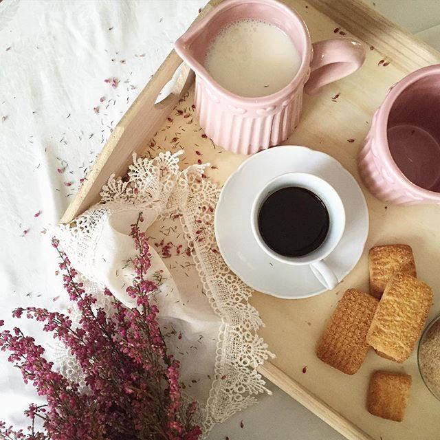 Friday 🌸☕️🍪 buongiorno a voi 💗