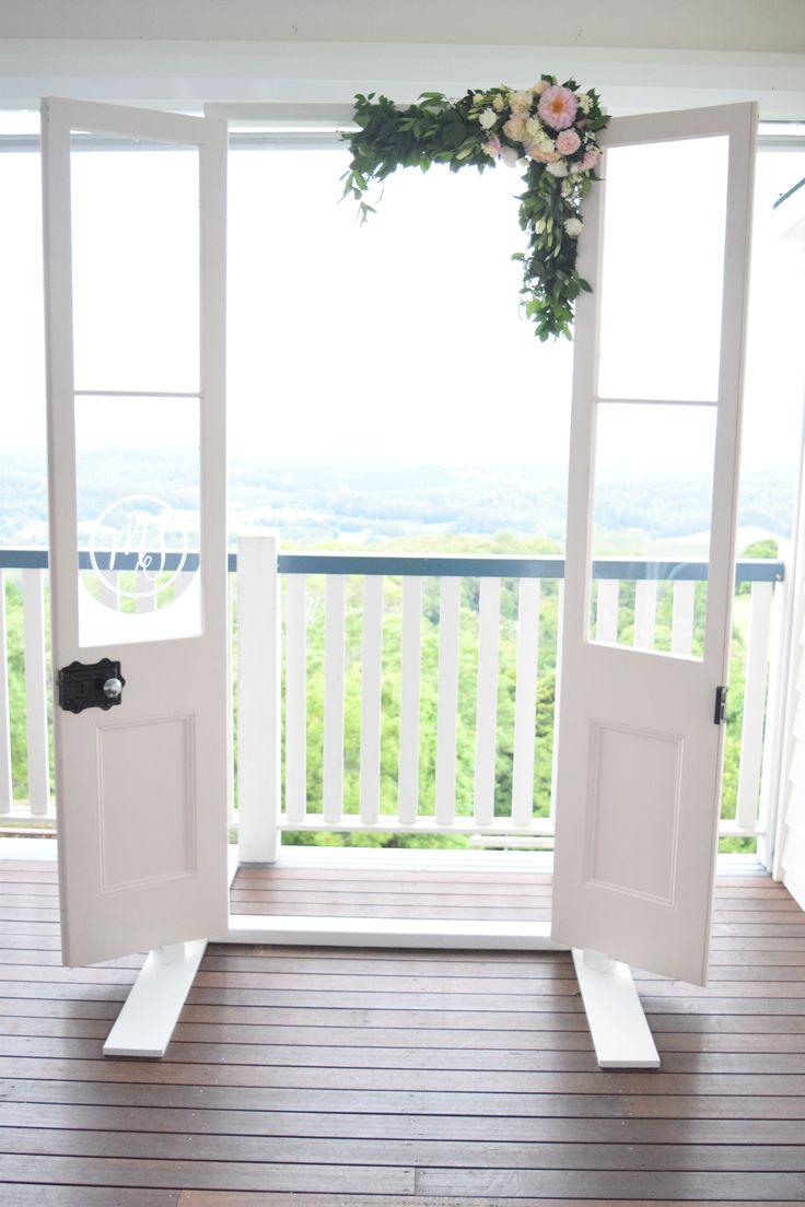 <3 Photobooth <3  #tiffanysflowers #weddingsattiffanys #weddingsinmaleny #flowers