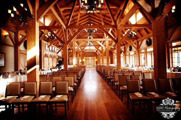The best Maine barn wedding venues.