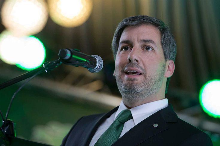 Presidente do Sporting lança feroz contra-ataque aos dirigentes arouquenses, deixando mesmo implícita a ideia de haver alguém por trás das acusações feitas pelo clube.