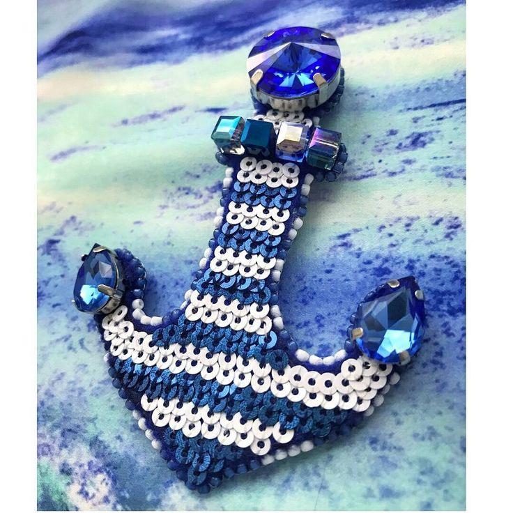 Автор @brosh_op   〰〰〰〰〰〰〰〰〰〰〰〰〰〰 По всем вопросам обращайтесь к авторам изделий!!!  #ручнаяработа #брошьизбисера #брошьручнойработы #вышивкабисером #мастер #бисер #handmade_prostor #handmadejewelry #brooch #beads #crystal #embroidery #swarovskicrystals #swarovski #купитьброшь #украшенияручнойработы #handmade #handemroidery #брошь #кольеручнойработы #кольеизбисера #браслеты #браслетручнойработы #сутажныеукрашения #сутаж #шибори #полимернаяглина #украшенияизполимернойглины