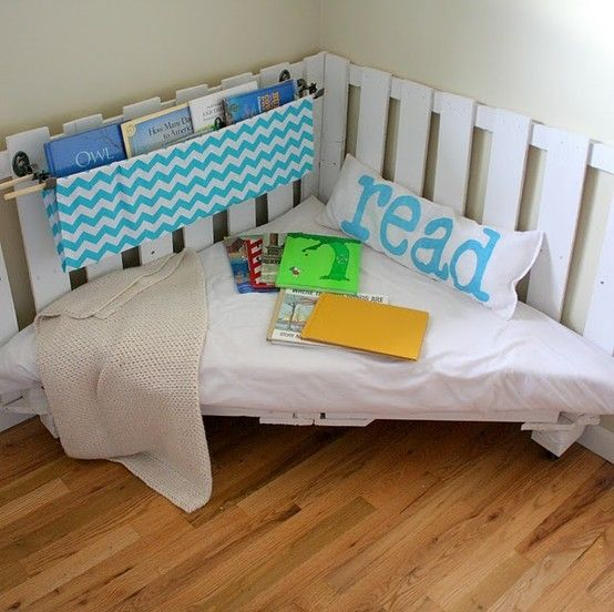 Reading chair made of two wooden palettes. Perfect for kids reading corner. by Ruth A