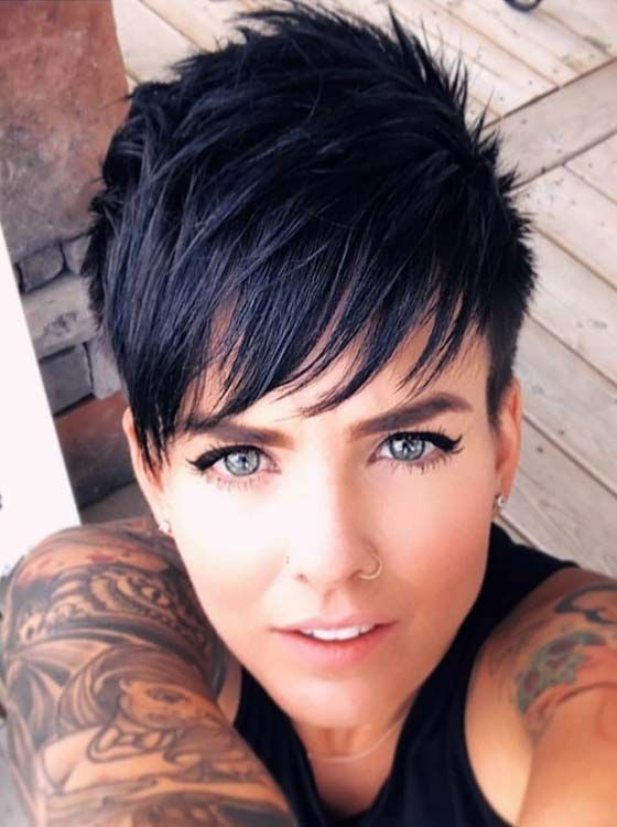 Kurzhaarfrisuren DAMEN – Pixie-Frisur ist der beste Weg, um den eindrucksvollen und jugendlichen Look zu erhalten. Mädchen können s