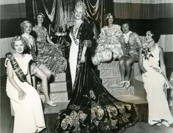 Miss America 1933:  Miss Connecticut, Marian Bergeron was crowned Miss America, first runner up Miss New York State, second runner up Miss California, and the court. Miss Virginia (not pictured) was fourth.