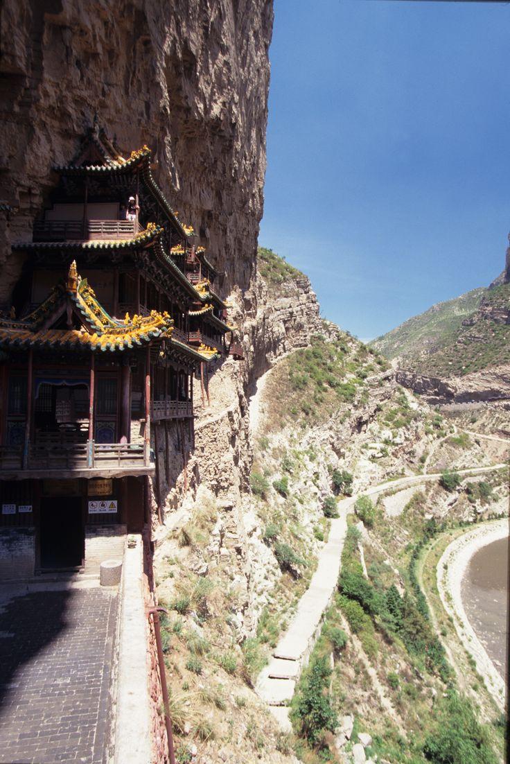 地上75メートルの断崖にぶら下がる寺山西省・懸空寺 <中国 旅行・観光おすすめ見所まとめ>