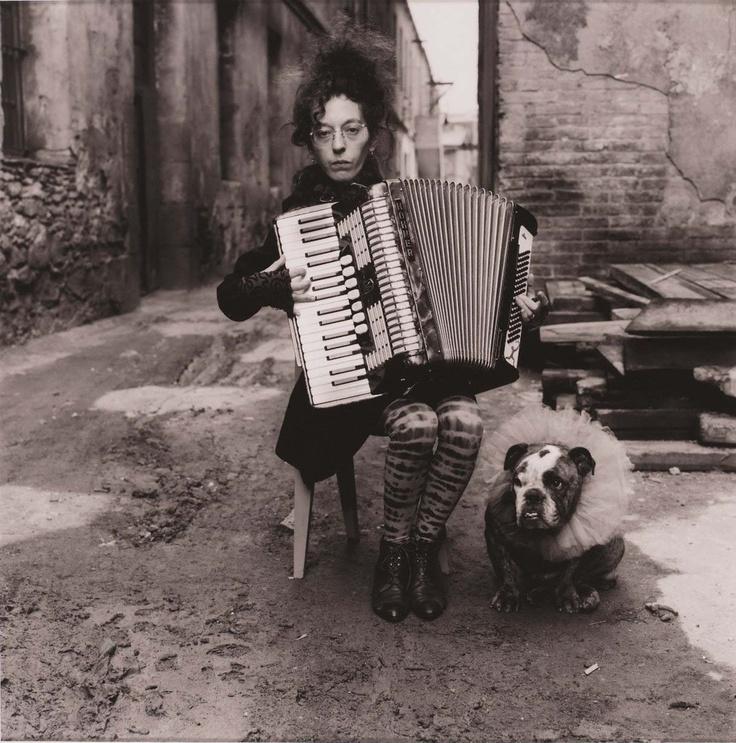 i. just. love. it! Alberto García Alix, La mujer de Fellini, 1987. © Alberto García Alix / Centro de Fotografía. Universidad de Salamanca