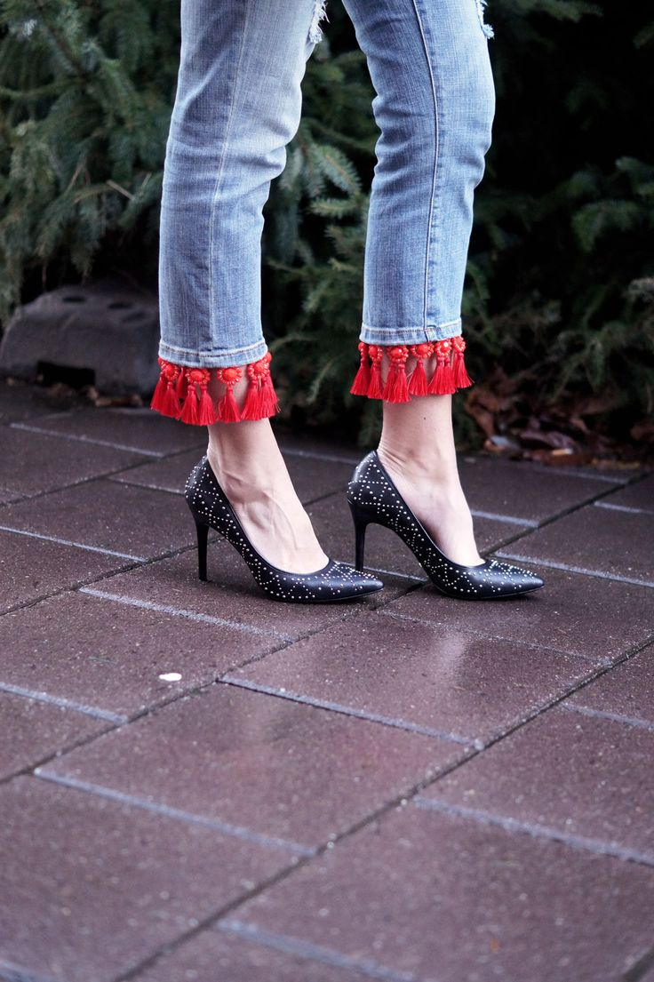 Tassels and high heels! @michaelkors and @anthropology <3 http://bit.ly/2AOrz6z