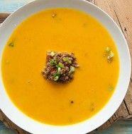 Kürbis Orangen Suppe mit Chili-Faschiertem Rezept