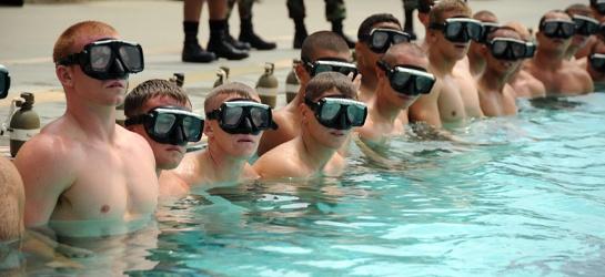 Ogólna sprawność fizyczna jest podstawą egzystencji człowieka. Nie jest to żadna nowość. Ważna jest zarówno w sporcie, jak i w życiu osobistym. Jest ona też niezwykle istotna, aby pływanie nie było nieprzyjemnym wysiłkiem, a całkiem lubianym elementem dnia codziennego. http://blog.ruszamysie.pl/cwicz-z-nami-a-plywanie-bedzie-czysta-przyjemnoscia/