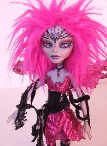 All+Monster+High+Dolls   Ghoulia Monster High pink fairy 2 - Monster High Dolls .com