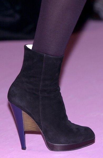 Photos yves saint laurent heels pantyhose