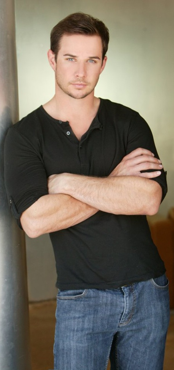 Ryan Merriman has been in quite a few movies I liked: Smart House, The Luck of the Irish, Final Destination 3, and 42.