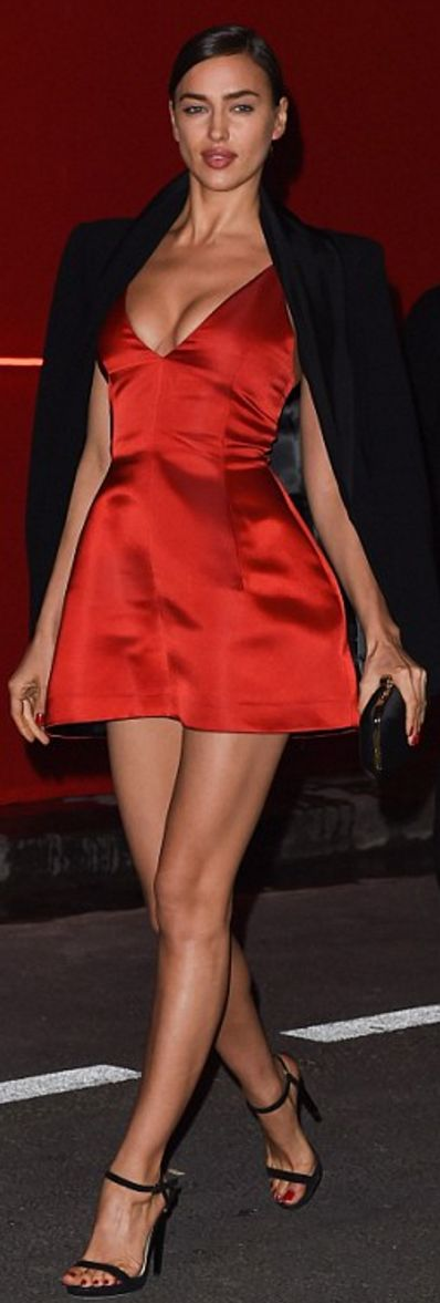 Irina Shayk: Dress – Dior  Shoes – Jimmy Choo
