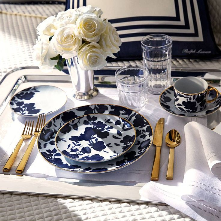 Beautiful porcelain tableware brand Ralph Lauren Home is only available in Archidzieło