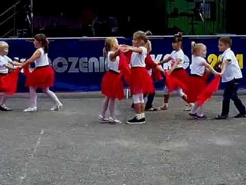 Walc Anastazja tańczą dzieci z grupy Małe Marionetki - koncert dla Karol...