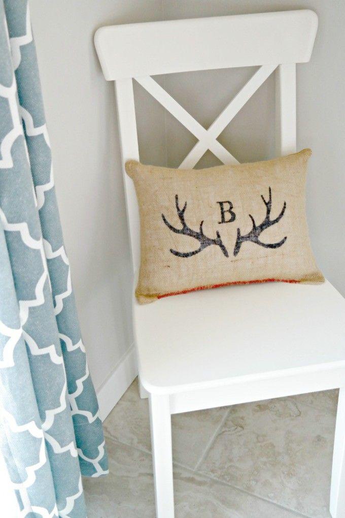 Burlap Sharpie Pillows - Craft Remedy