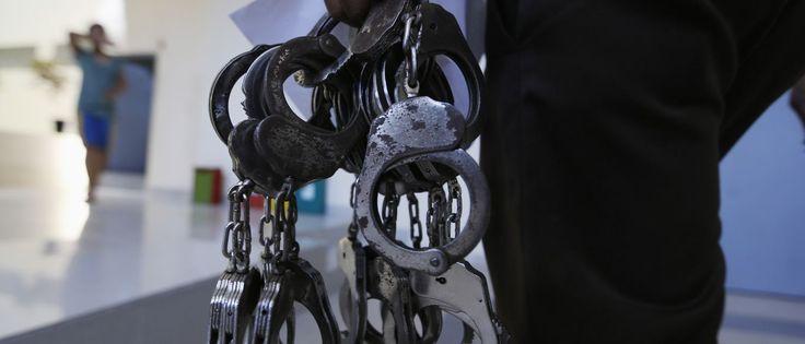 InfoNavWeb                       Informação, Notícias,Videos, Diversão, Games e Tecnologia.  : Polícia cumpre 35 mandados de prisão por tráfico d...