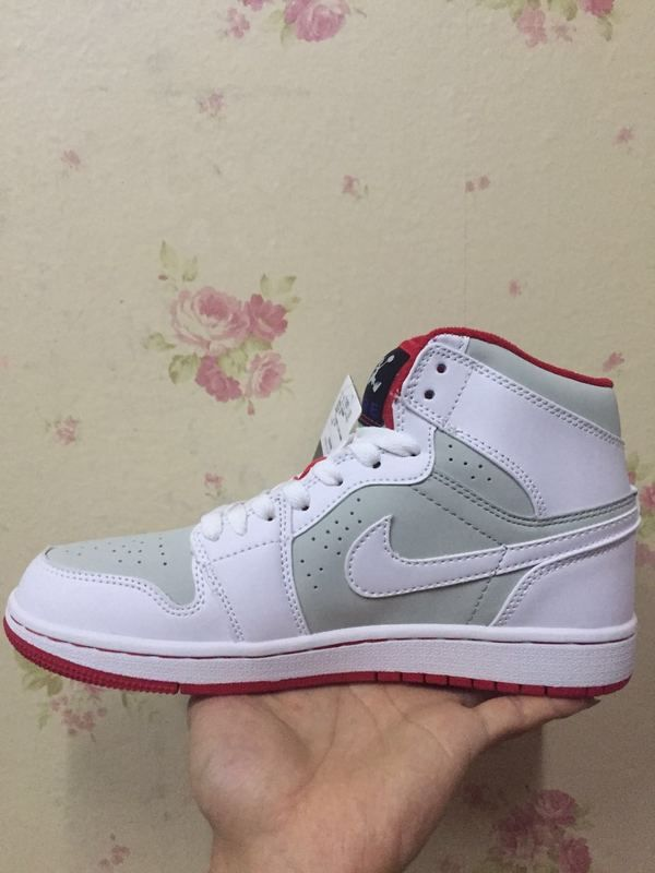 newest edfed 8142b Air Jordan 1 Hare White Gym Red In The Hand