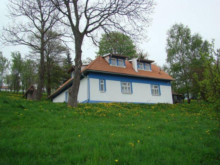 Modrá chalupa: ubytování Žítková na Jižní Moravě. Chalupa k pronájmu: kapacita 2 až 6 osob - 3 ložnice. Provoz: léto, zima, víkendové pobyty, Vánoce, Silvestr.