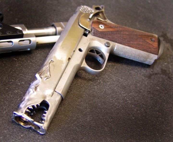 Custom 1911 pistol from Marc Krebbs - photo pinned via - http://gearsofguns.com/aaron-custom-1911-pistol-from-marc-krebbs-gun-of-the-day/