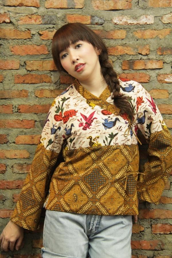 batik amarillis's cherry blossom jacket  www.batikamarillis-shop.com